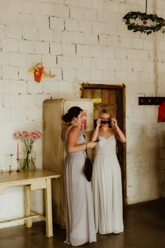 Jedan_frajer_i_bidermajer_wedding_bride_made_of_honor