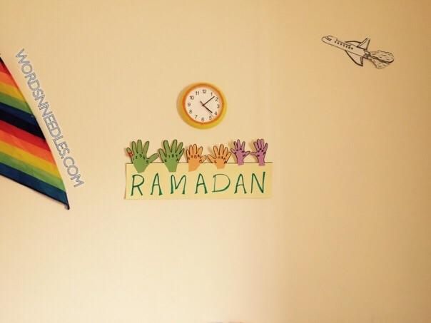 hand print ramadan calendar