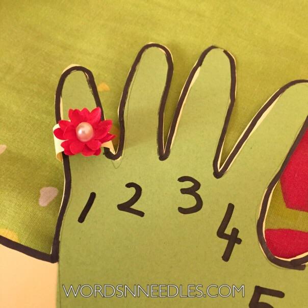 hand print ring ramadan calendar
