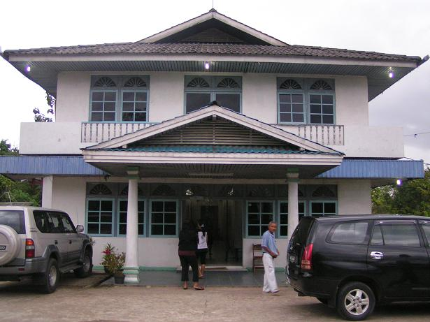 The hotel/hostel we stayed in on the way from the border to Entikong.