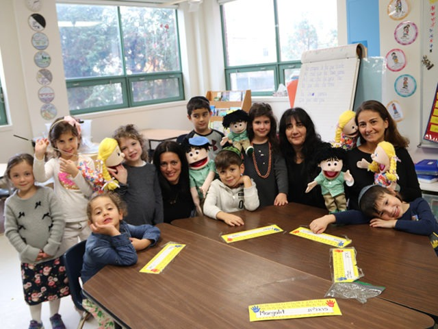 Francophone Jewish Puppets Teach Students at Hebrew Academy in Montreal