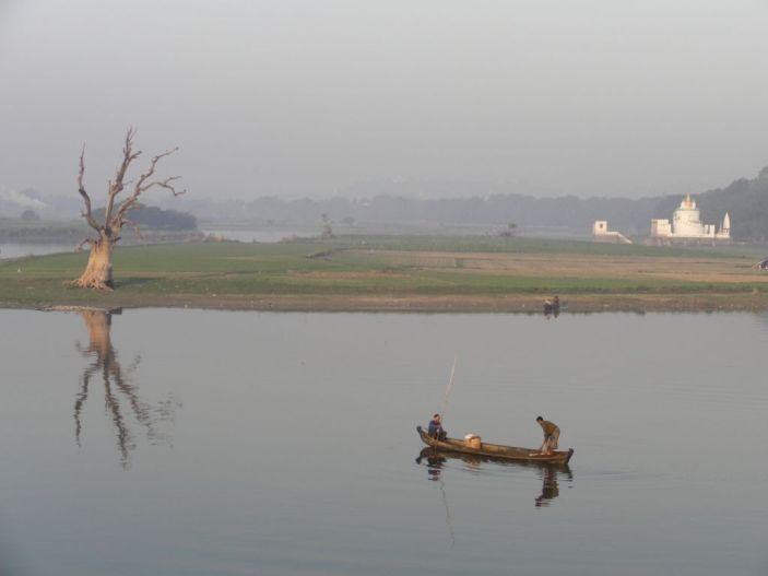 Drapak, świątynia i rybacy