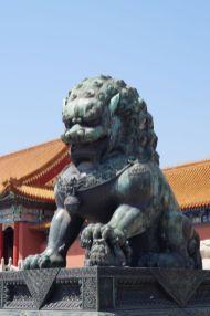 Zakazane miasto - jeden z lwów strażniczych. Użyto lokówki