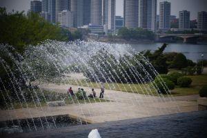 Pjongjang - piknik pod Wieżą Dżucze