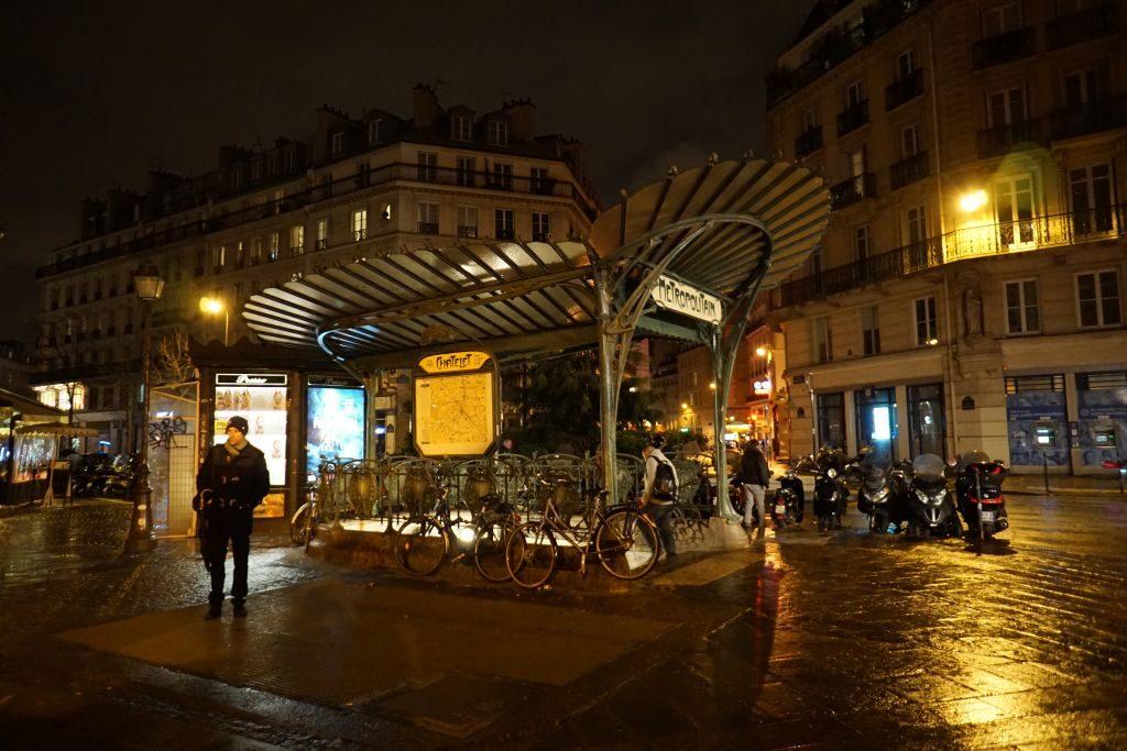 Paryskie metro - wejście