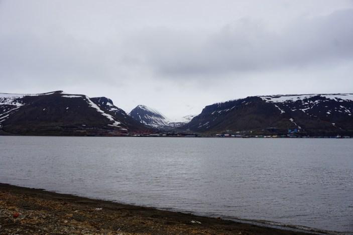 U podnóża Hiorthfjellet