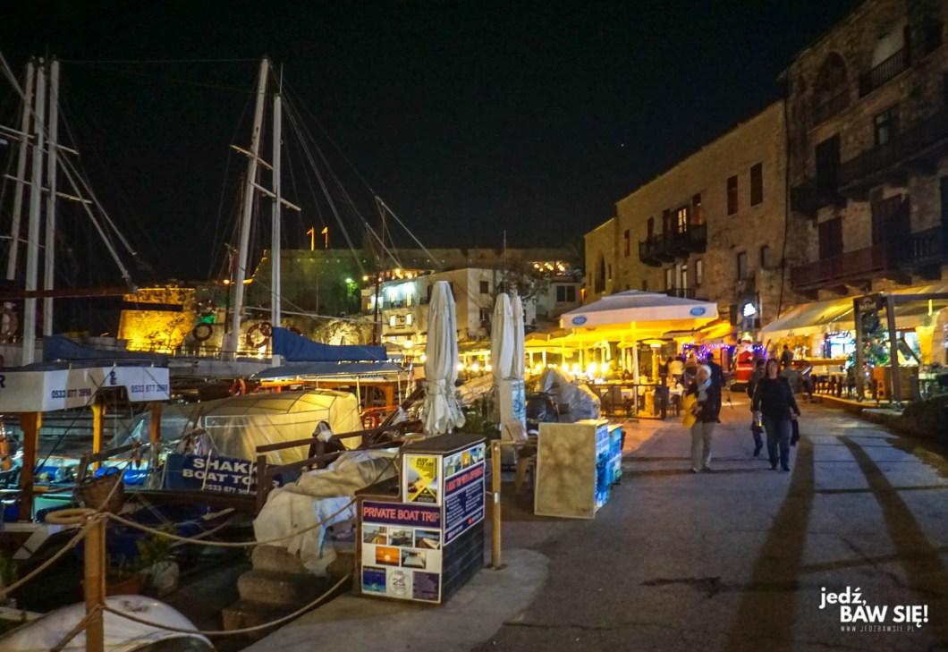 Cypr - Kyrenia wieczorem