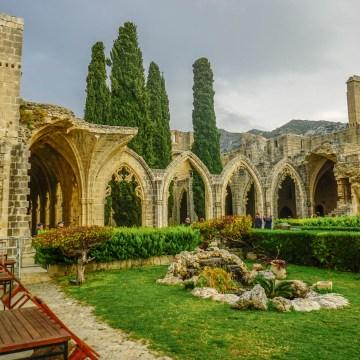 Cypr - opactwo Bellapais 1