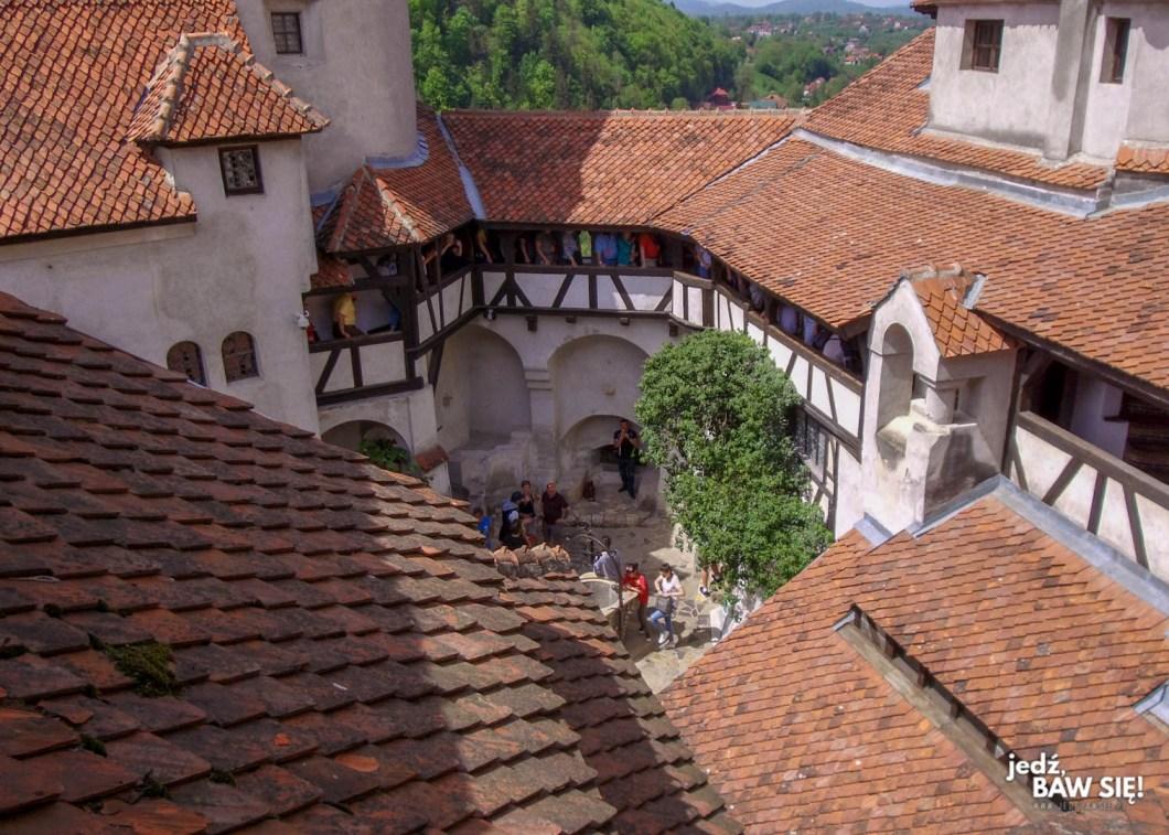 Zamek w Branie - dziedziniec 2