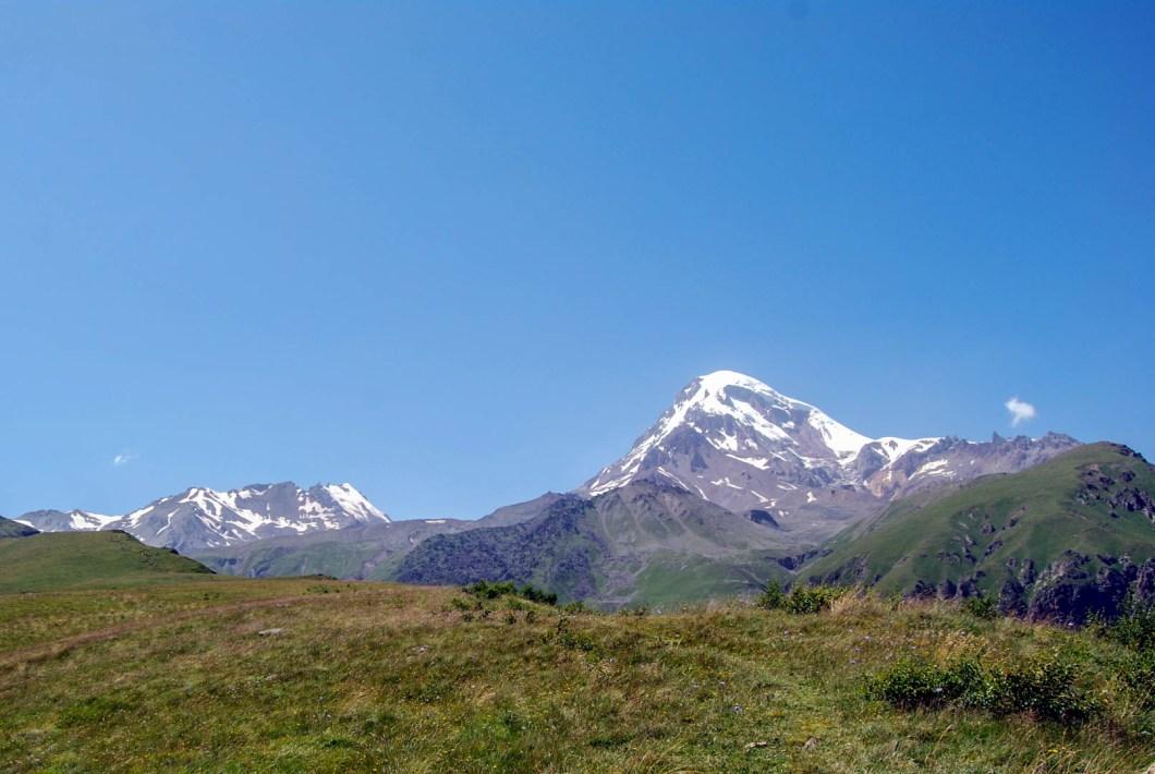 Gruzja - widok na Kazbek