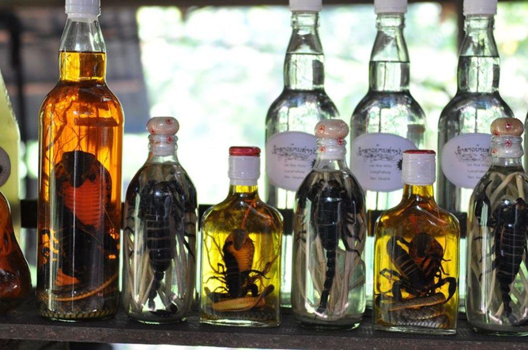 Azja - whisky ze skorpionem