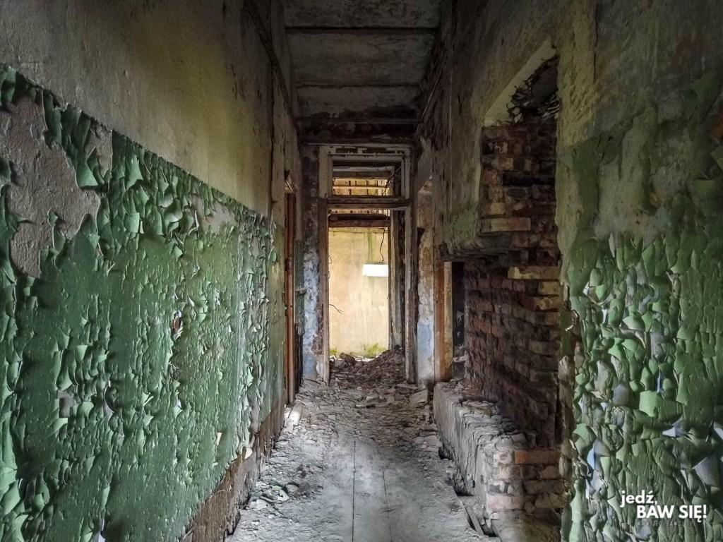 Zeltini - wnętrze jednego z budynków