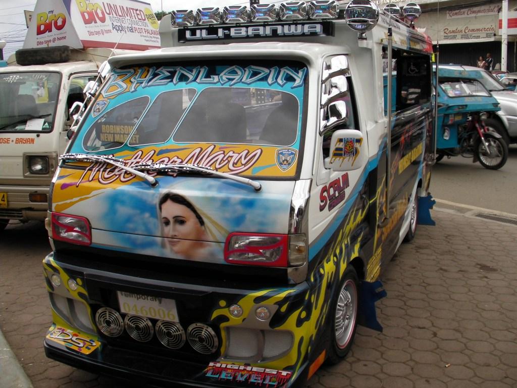 Filipiny - mały jeepney