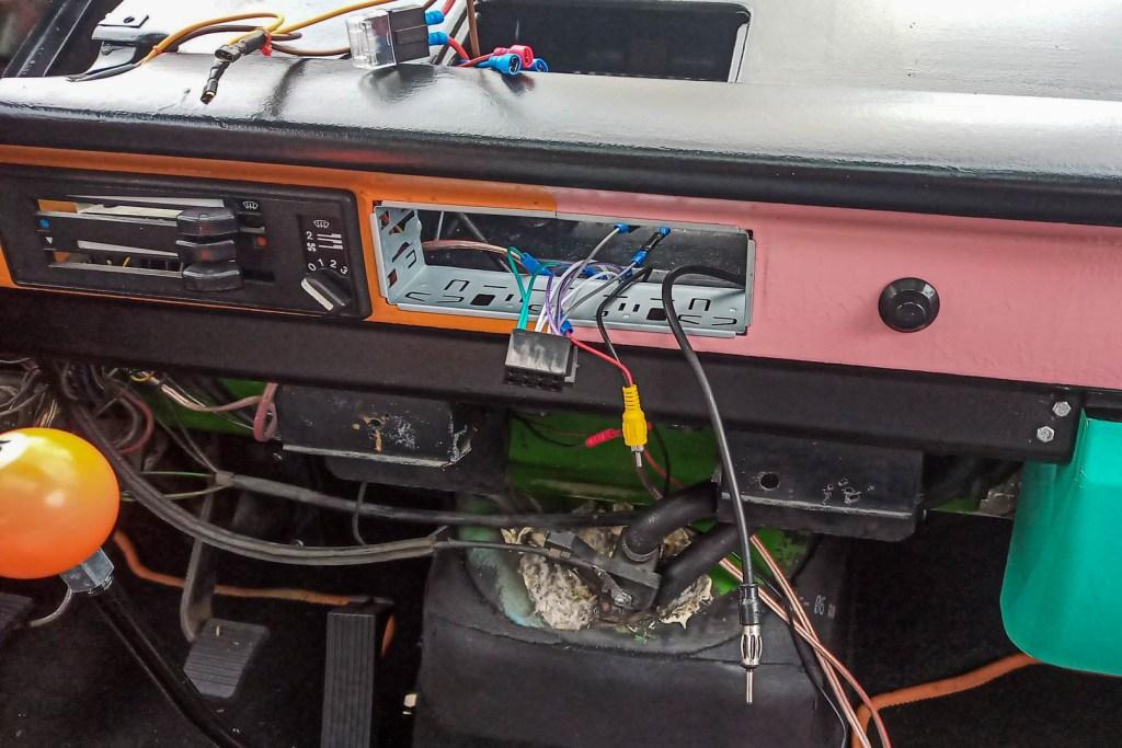 Radio VW T3 - kostka ISO