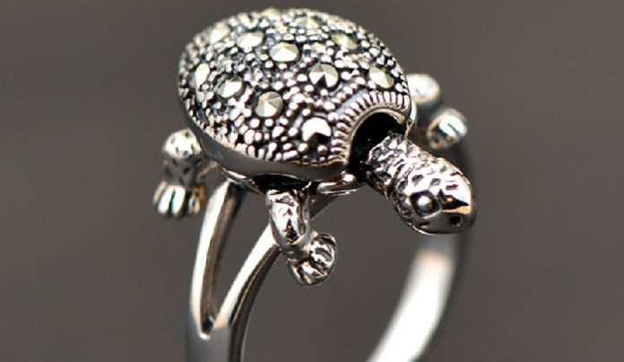 Benefits And Rules of Tortoise Ring