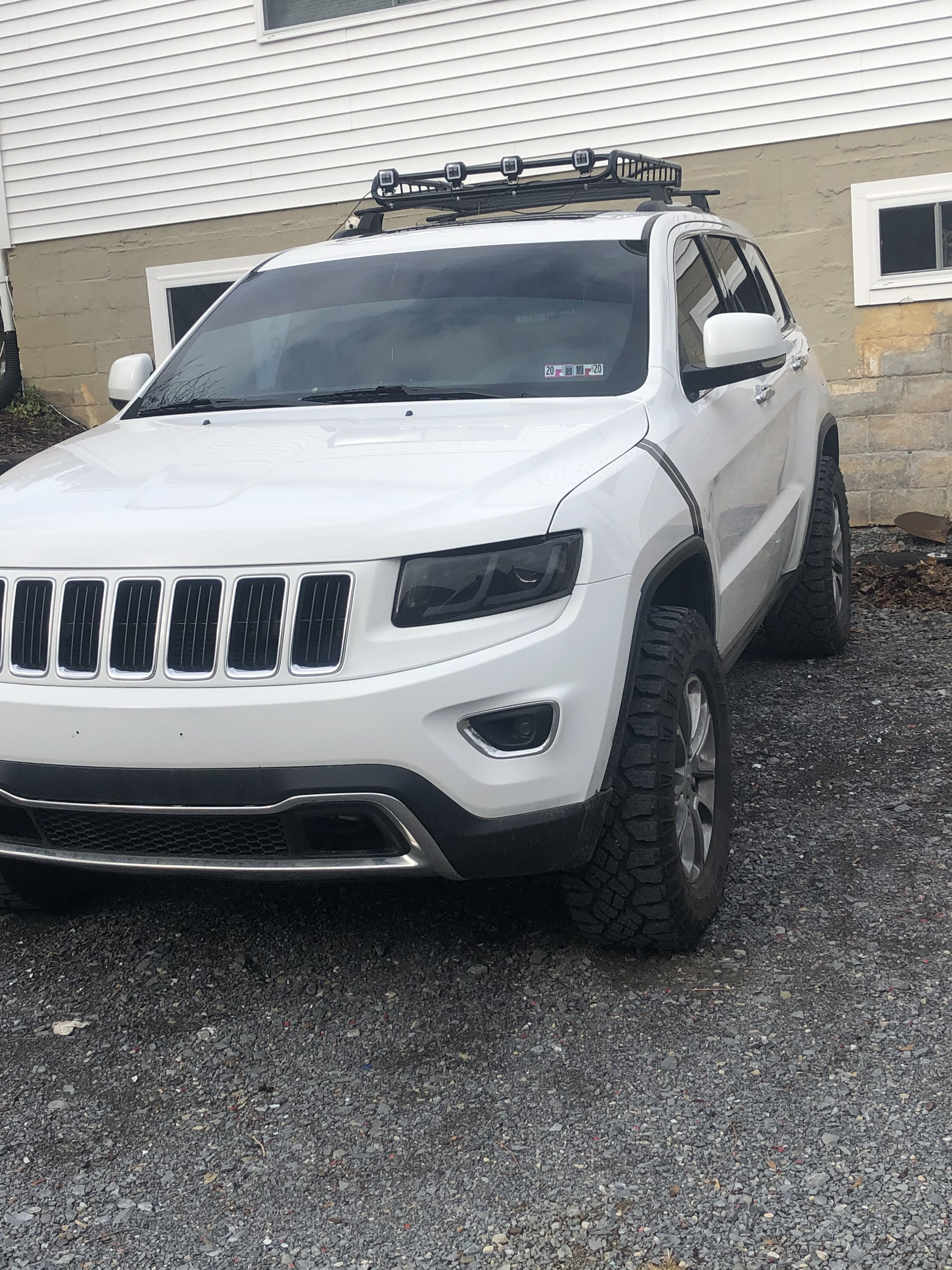 2.5in Jeep Lift Kit (11-21 Grand Cherokee WK2) | Rough