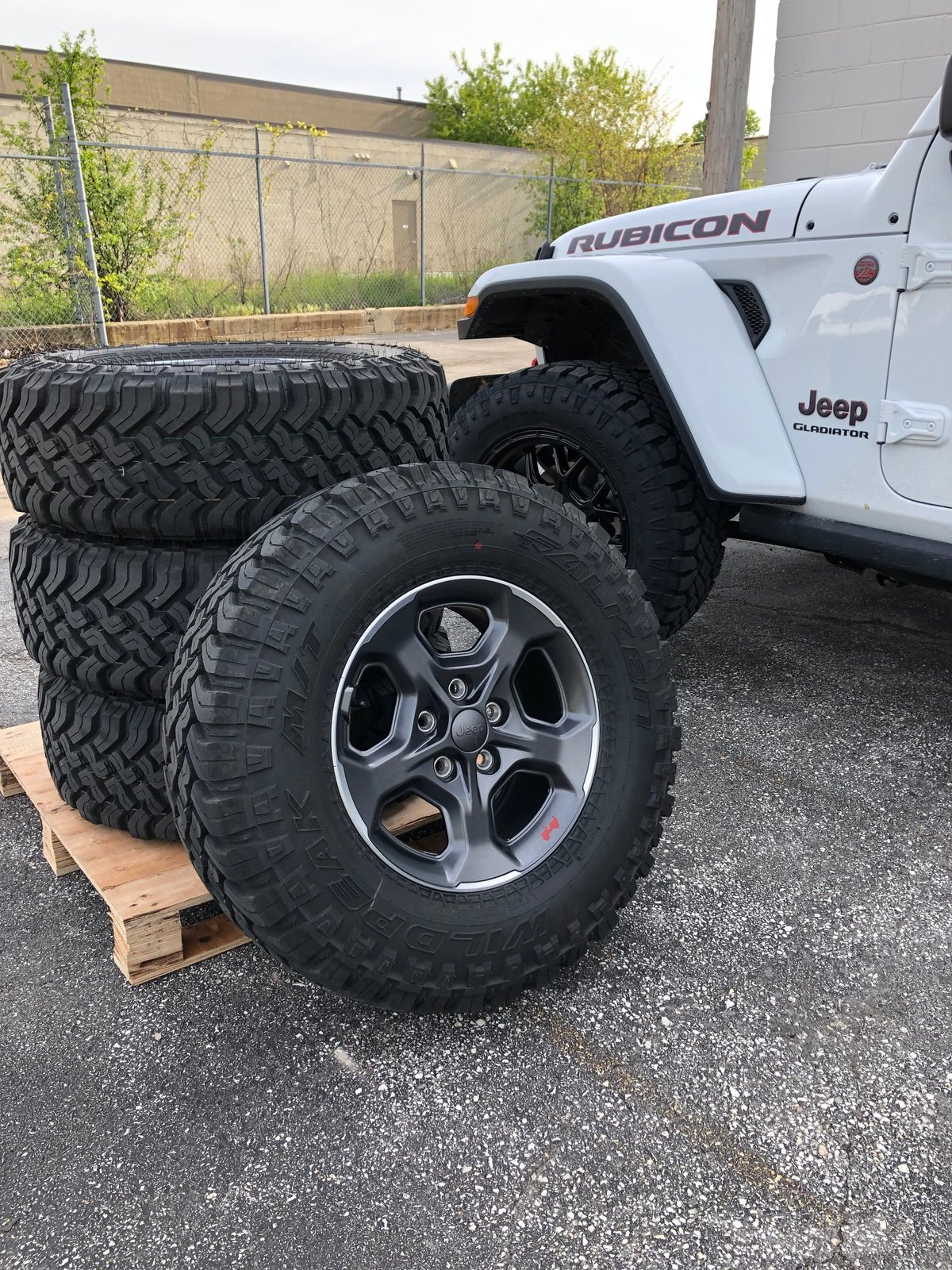 33 Tires On 17 Rims : tires, Wisconsin, Rubicon, Takeoff, Rims,, Falken, Wildpeak, Tires, Sensors, Gladiator, Forum, JeepGladiatorForum.com