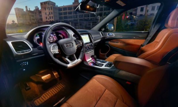 2018 Jeep Grand Cherokee Trackhawk interior view