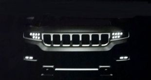 2018 Jeep Grand Wagoneer front