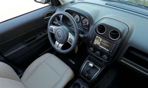 2018 Jeep Patriot interior