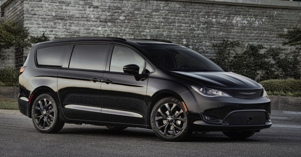 2019 ChryslerPacifica front