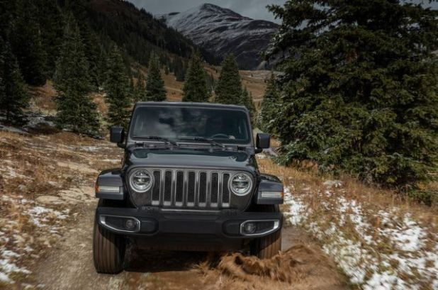 2019 Jeep Wrangler front view