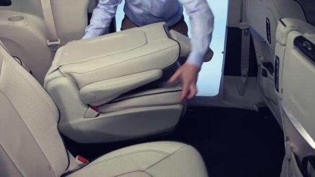 2019 Chrysler Aspen seats
