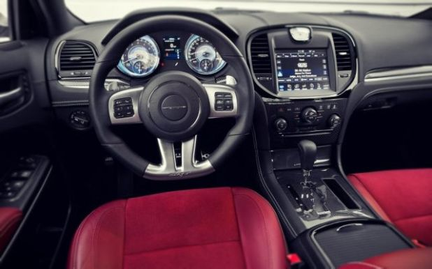 2019 Chrysler 300 SRT8 interior
