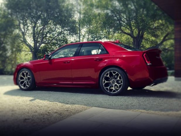 2019 Chrysler 300 SRT8 side