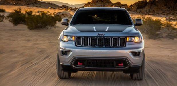 2020 Jeep Grand Cherokee Deserthawk front