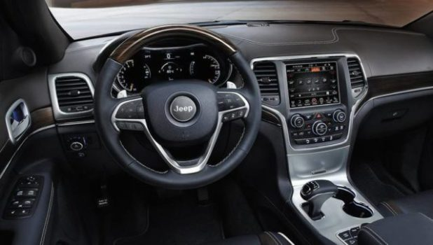 2020 Jeep Grand Cherokee Deserthawk interior