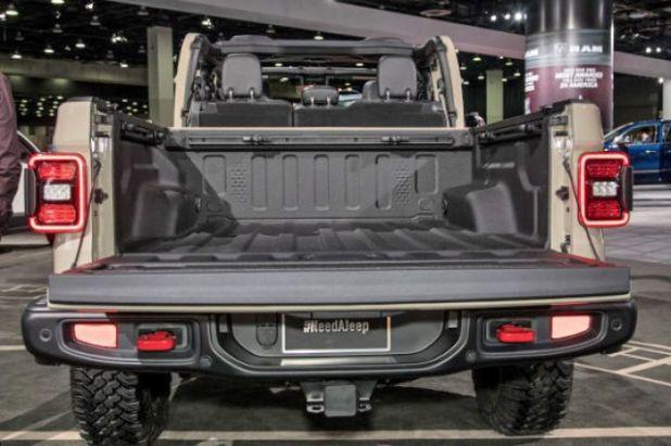 2020 Jeep Gladiator rear