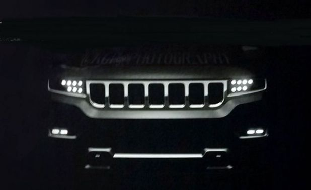 2021 Jeep Grand Wagoneer front