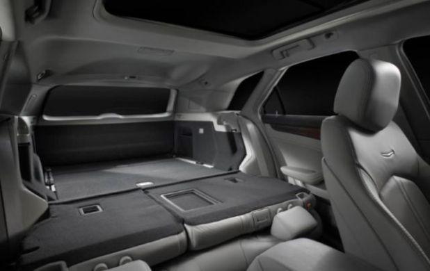 2020 Dodge Magnum cargo space