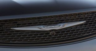2020 Chrysler Pacifica AWD front