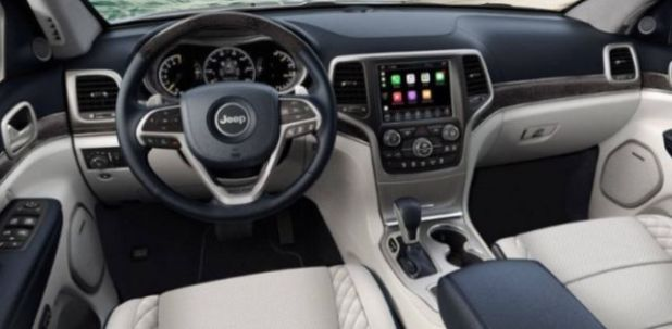 2020 Jeep Grand Cherokee Trailhawk interior