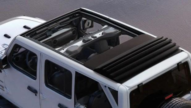 2022 Jeep Wrangler Sahara roof