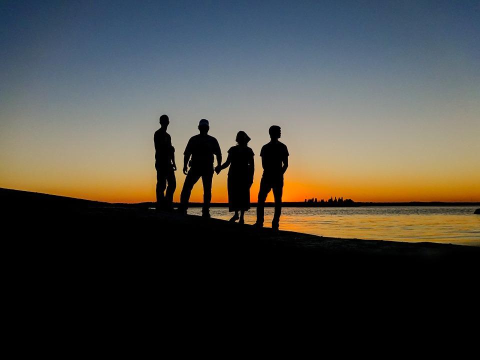 Perhekuntien pelastuminen