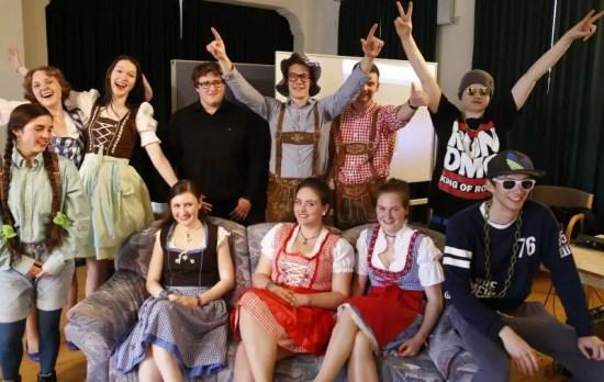 Das sind die elf angehenden Abiturienten der Jeetzeschule in Salzwedel.