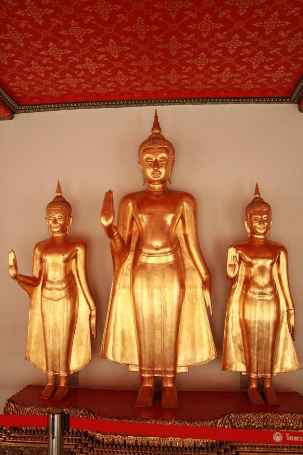 Jedziesz do Tajlandii? 6 porad jak zachować się w buddyjskiej świątyni