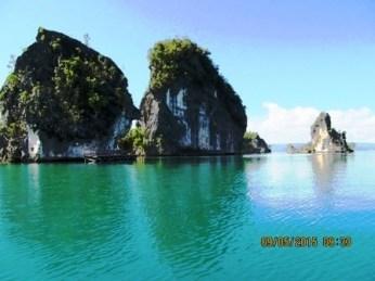 blue water raja ampat