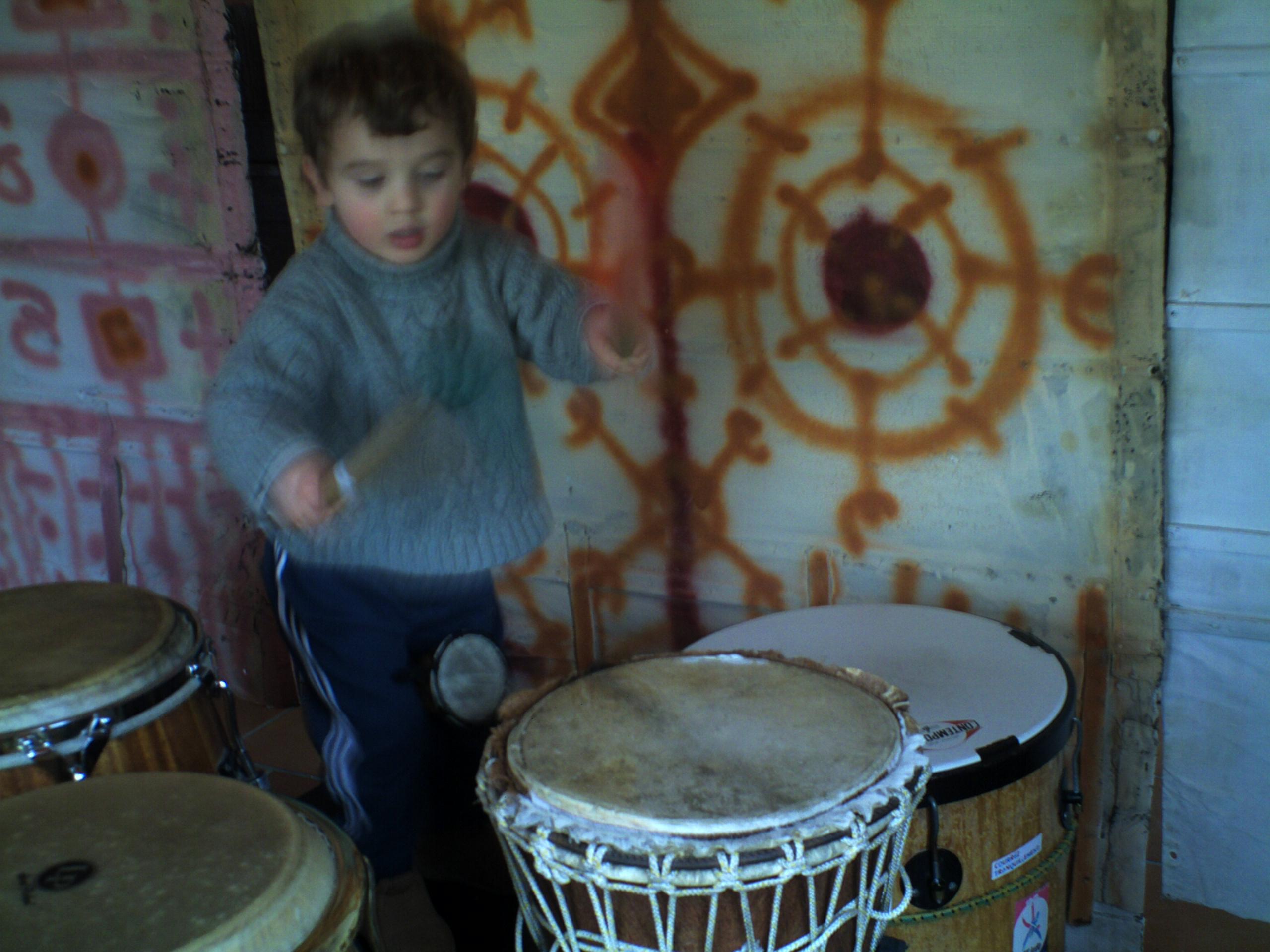 Fano mon fils petit mètre en percussions