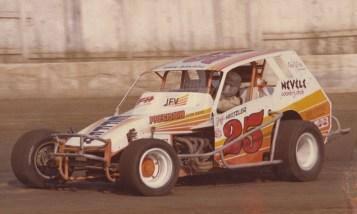 Jeff Heotzler in the Slingerland 25.