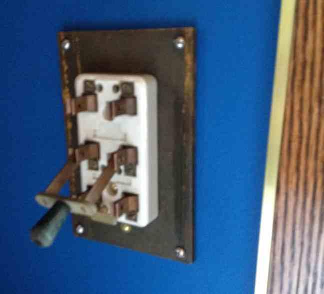 22 Teslapunk switch on wll open