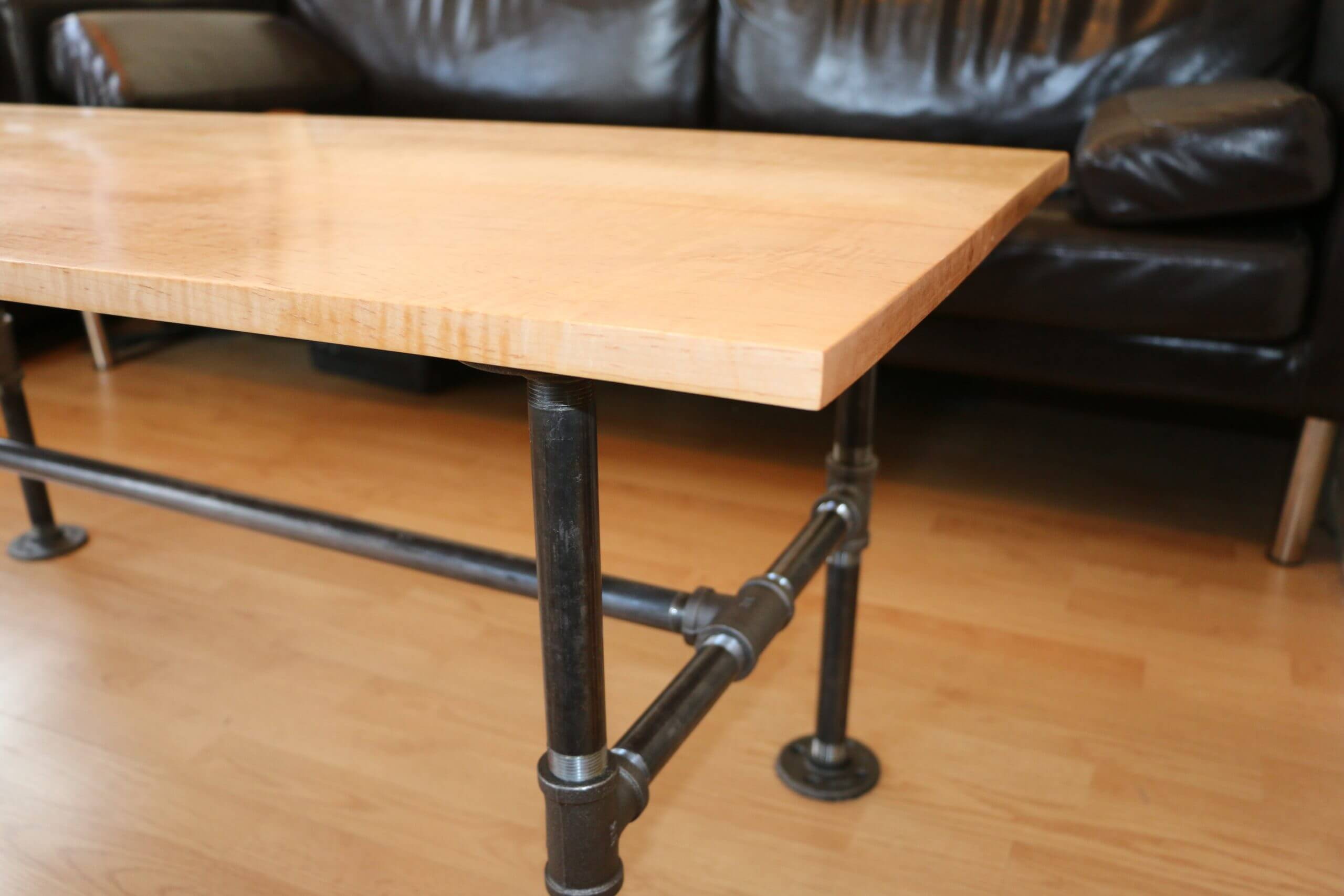 DIY Modern Coffee Table with black pipes how to