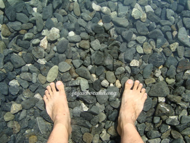 beningnya air Pantai Tablanusu