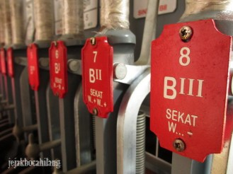 alat pengendali rel kereta di museum