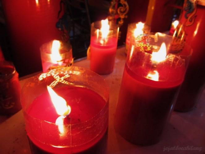 red candles in Hok Tek Bio - Salatiga