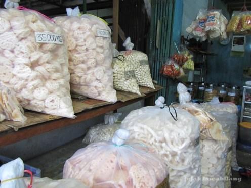 Kerupuk NANDO di Pasar Cinde