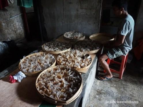 proses pendinginan kue keranjang